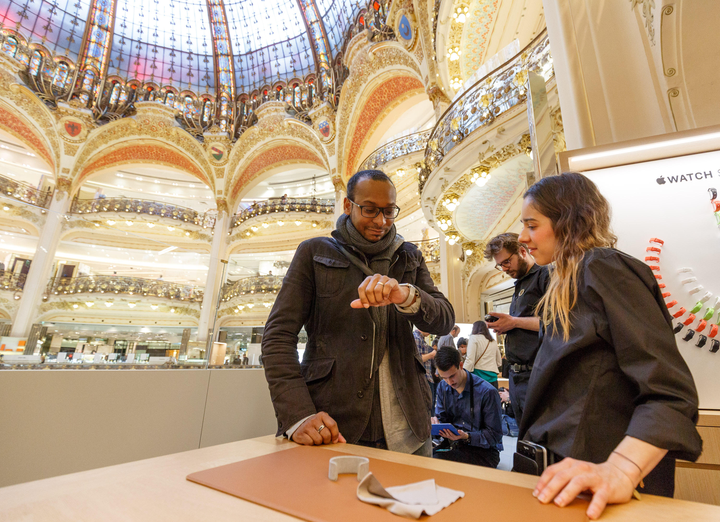 20150410-apple-watch-galeries-lafayette-001-2