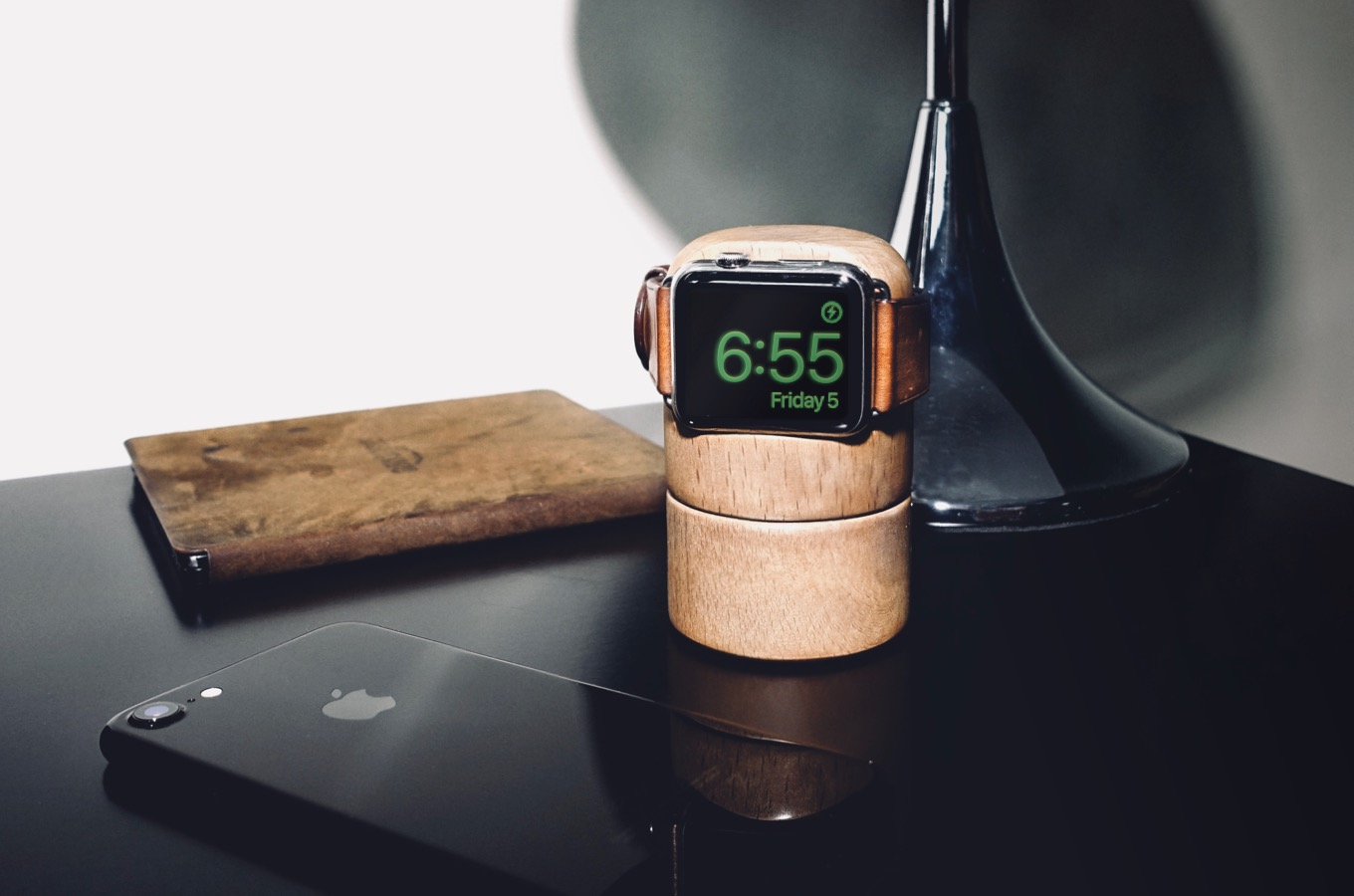 Totm+Travl Apple Watch Stand
